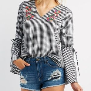 🌹🌺🌸💐Gingham Top with Floral Embroidery